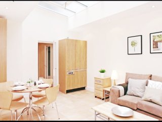 STUNNING AND BRIGHT ONE BEDROOM FLAT