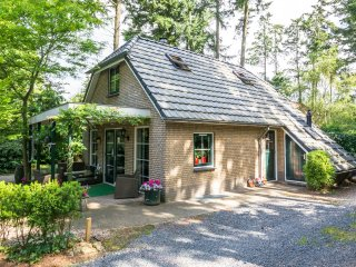 Luxe bungalow met sauna en jacuzzi in het midden van Nederland op de Veluwe