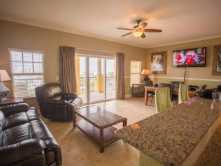 Plenty of Upgrades in this Spacious Condo. Steps from the Beach. Close to Everyt
