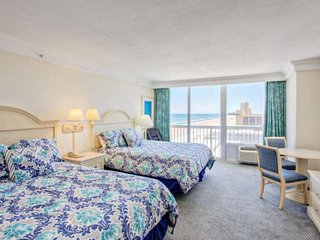 Affordable/Clean/Attractive-11th Floor Suite at Oceanfront Daytona Bch Resort! P