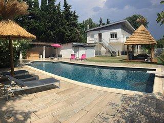 Grande villa contemporaine, 6 chambres, au calme en campagne, avec piscine privée