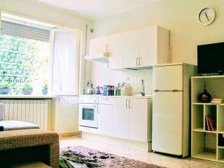Appartamento 'La Graziosa' nel cuore del quartiere Eur Roma  vicino metro B