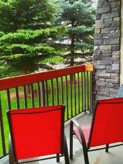 Bluejay Chalet in Radium Hot Springs, Private Pool, Hot Tub