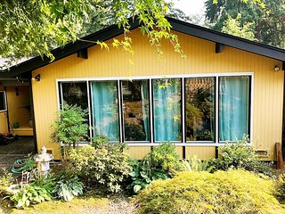 Judy's House - A beautiful 3 Bedroom House - 5 Mins to Bellevue Downtown