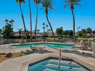 Settle in for the Holidays! Lake Mirage Retreat! Gorgeous Views abound!