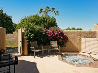 The Great Escape..with Private Spa in Ironwood CC with Sundeck
