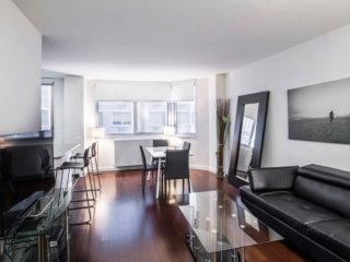N14M-MIDTOWN EAST 1BR-1BA APT WITH DOORMAN-AC-GYM