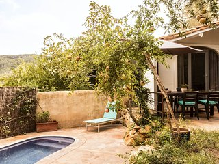 Holiday Cottage Chagall in the hills near Sitges