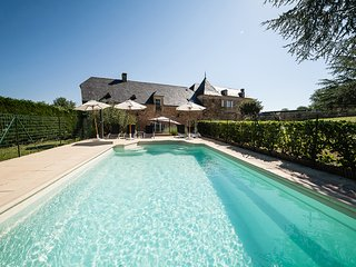 Luxury 5 star, 3 bedroom Villa with private pool, Beaux Reves, close to Sarlat
