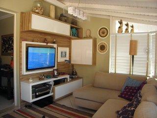 Confortável cobertura a 100m da praia-WIFI/cableTV