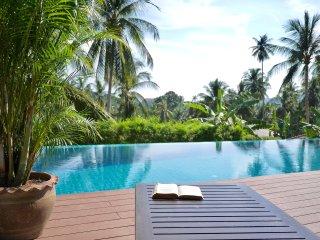 Villa entre Lamai et Hua Thanon , piscine et vue mer