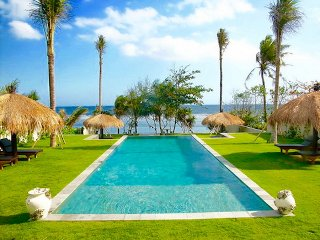 Spectacular Beachfront 5 Bedroom Villa, Tabanan;