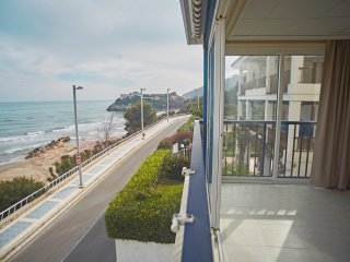 ApartUP Acapulco Beachfront Views. PK + Seaviews