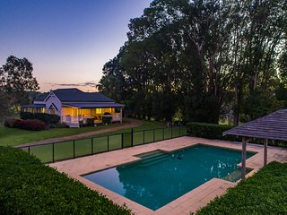 Sunnybank Farm - Byron hinterland home