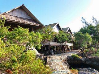 Hoga Home Stay Room 3 (1 Single), holiday rental in Hoga Island