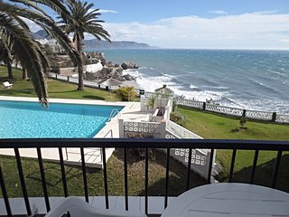 Acapulco Playa 26-m, First Line Apartment IN NERJA