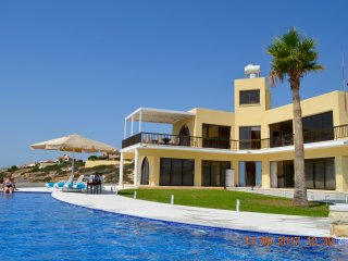 Villa Jason is a large two bedroomed secluded villa with great views of the med.