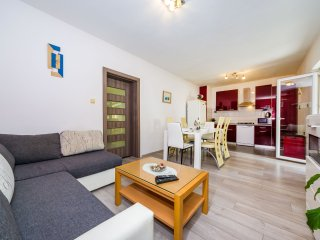Apartment with 3 rooms in Zadar, with enclosed garden and WiFi