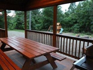 Hide-Away-Pines Lodge