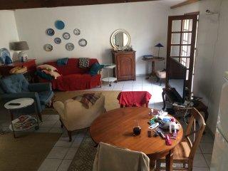 Ruim appartement in centrum Aubeterre