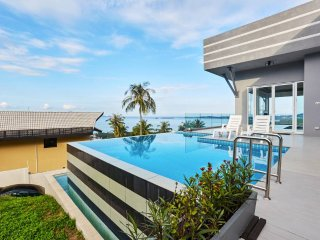 3 Bedroom Sea View Villa Victoria