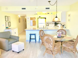 WOW! Beautiful upscale 1BR/2BA  Condo in Paradise!