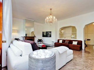 Gorgeous 2bdr apt with terrace
