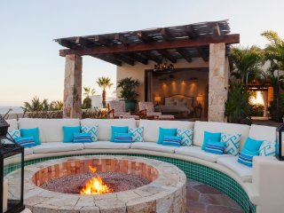 11,000 sq. ft. magnificent Mediterranean style 6 bedroom villa in Pedregal