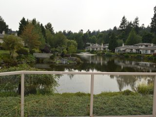 Lochside Townhome - 2 week min