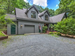 NEW! 3BR Custom Wintergreen Home in Resort Area!