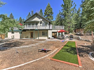 Quiet 4BR Stateline Home Near Lake Tahoe w/Hot Tub