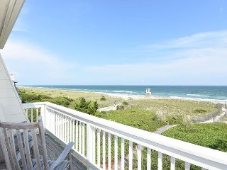 A Long Walk - 3 bedroom oceanfront townhouse sleeps 6