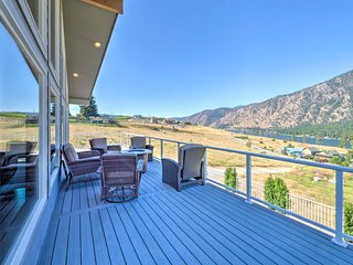 Lux Manson Home on Chelan Lake w/Patio & Mtn Views