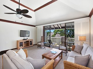 Family Pick for 2-Level Privacy, Full Kitchen, WiFi, Lanai–Kiahuna Plantation