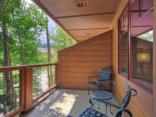 Ski-in 1 Bedroom Condo at Mountain Thunder Lodge! ~ RA164945
