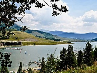 Lake Dillon Condo! Lakefront & Mountain Views! Near Breck/Keystone/Walk To Resta