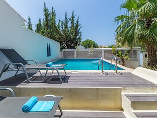 Villa Medina 2 bedroom with private pool walking distance to all facilities