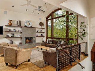 Cunniffe Designed Contemporary Mountain Home ~ RA133129
