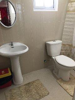 2F Ohana Bathroom