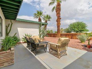 Family-friendly retreat close to everything with private pool & hot tub