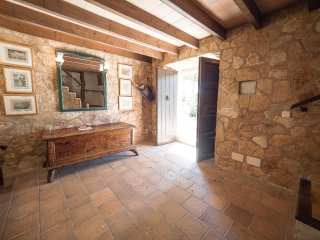 Can Cap de Bou o 18th Century house with pool