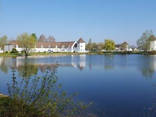 Lakeside Lodge in beautiful tranquil setting