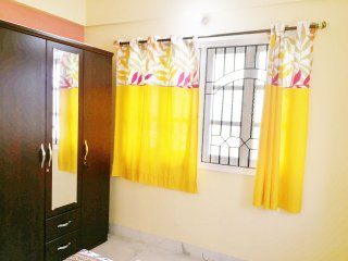 2 bedroom 2 bath apartment in Jodhpur Park