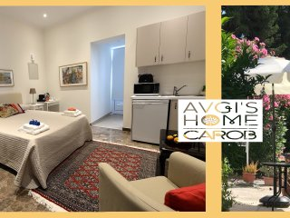 CAROB GARDEN Studio Apartment at Avgi's Home
