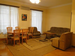 Apartment in the City center ( Mashtots 37)