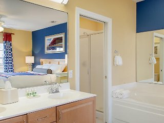 2BR Resort Apartment, Sleeps 8, July 2 - July 6 (4 nights)-Harbour Lights Resort
