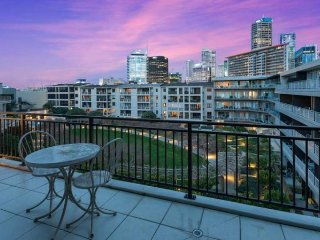 Auckland Viaduct Apartment 2 Bedrooms, 2 Bathrooms,  Carpark