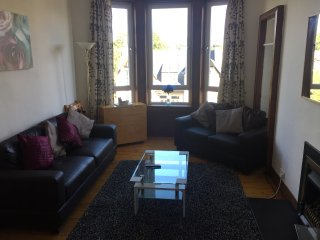 Great Location, 2 Bed Scotstoun/West End Flat