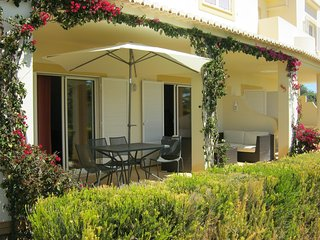 Discounted winter lets 3 bedroom villa with stunning communal pool and sea views