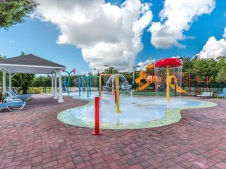 Cheerful Home VIPORLANDO near Disney, pool comun